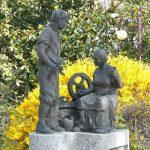 * Monumento al lavoratore
