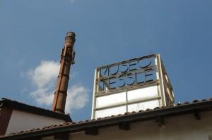 Insegna dell' Imbiancheria del Vajro (edificio per esposizioni).